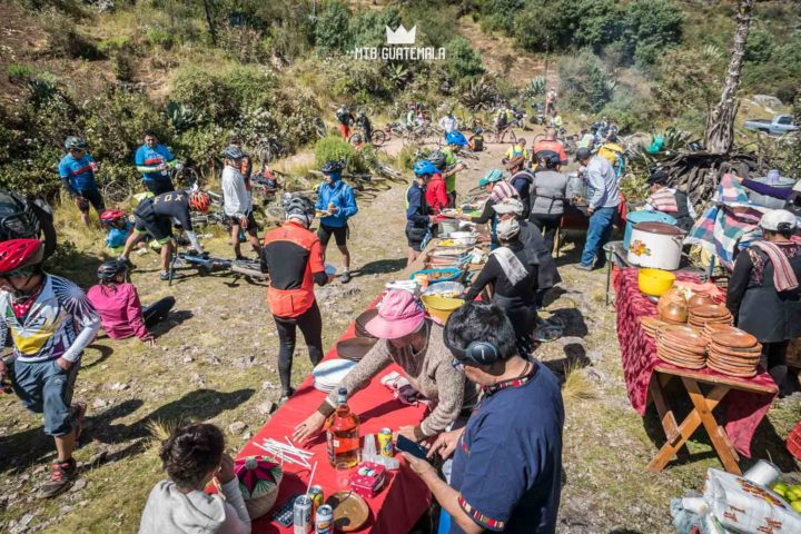 Riders enjoy a gourmet Guatemalan buffet at the top of the cucuhumatanes. 9th edition - Travesía de los Cuchumatánes.  Huehuetenango, Guatemala