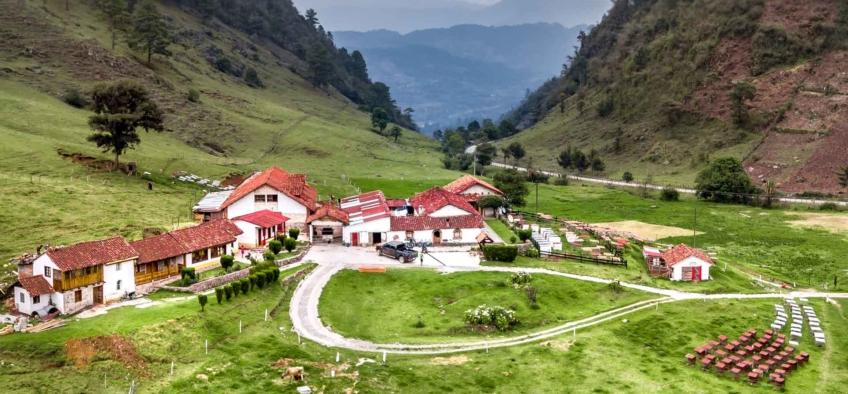 camino rural Quiché, Guatemala