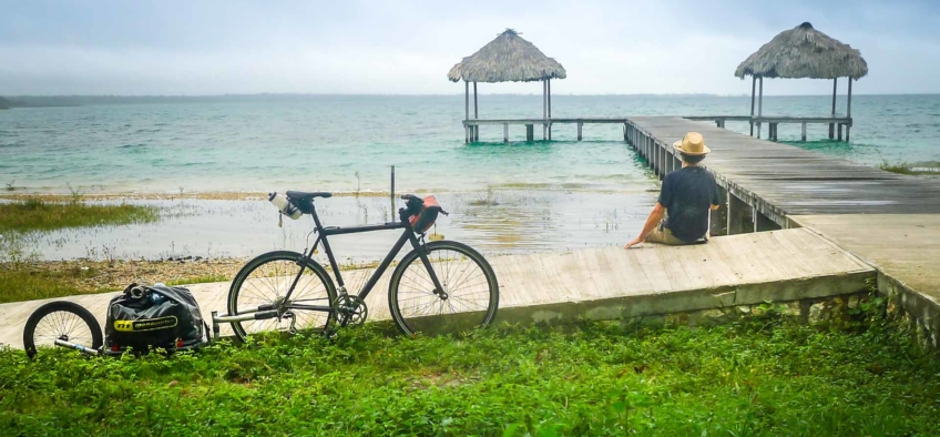 A 2 month trip by bike across mexico and Guatemala. Laguna Petén Itza Peten, Guatemala